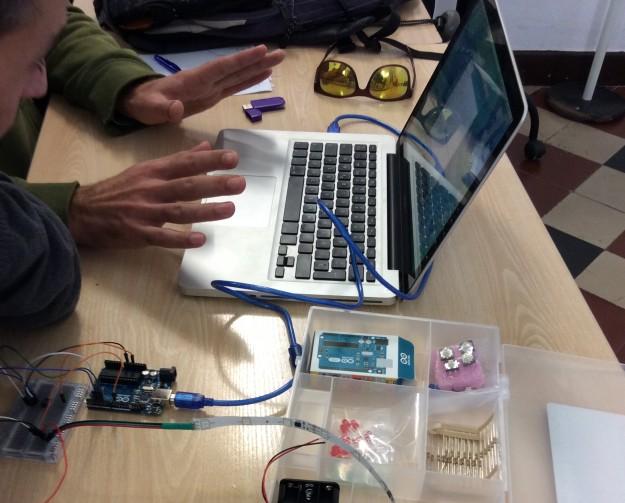 Primeras prácticas con Arduino y tira de LED digital